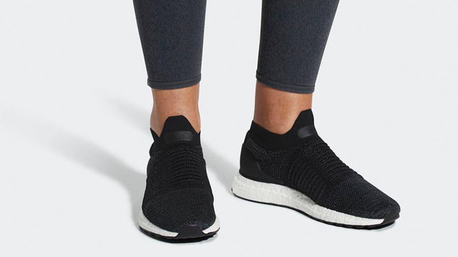 adidas Ultra Boost Laceless Black