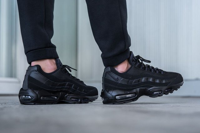 air max 95 all black