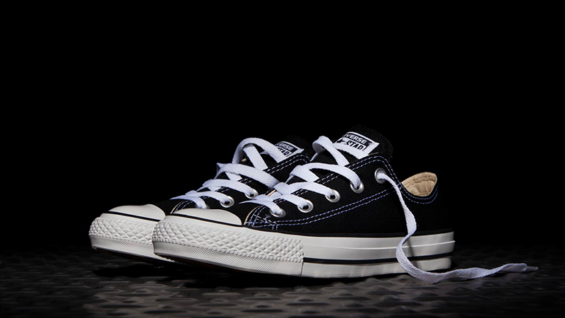 black and white converse low