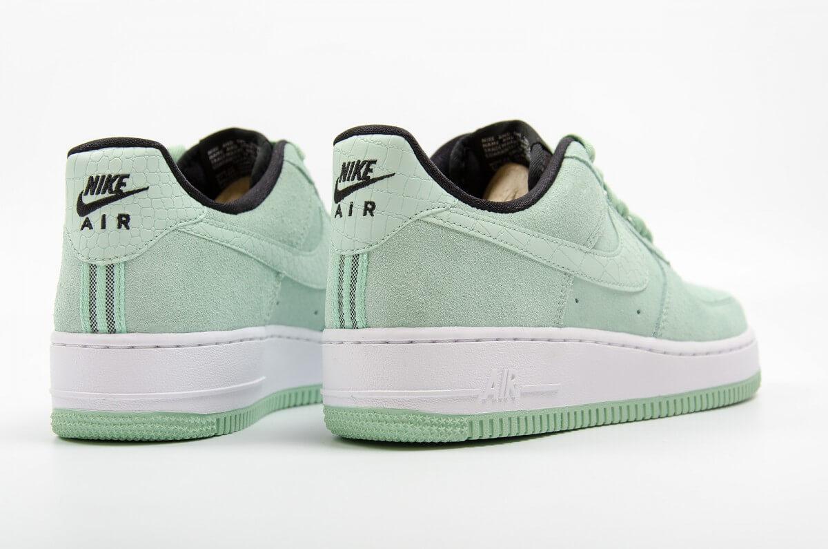 cueva Gestionar esposa  Nike Air Force 1 07 Seasonal Green - Where To Buy - 818594-300 ...