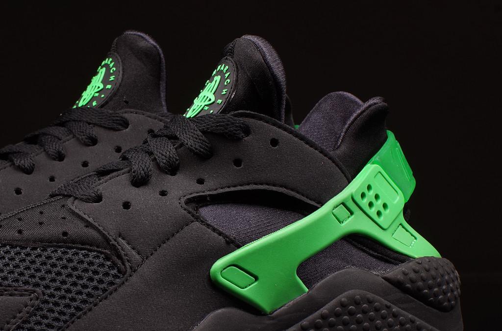 nike huarache black green