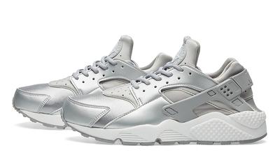Nike Air Huarache Run SE Metallic Silver | Where To Buy | 859429 ...