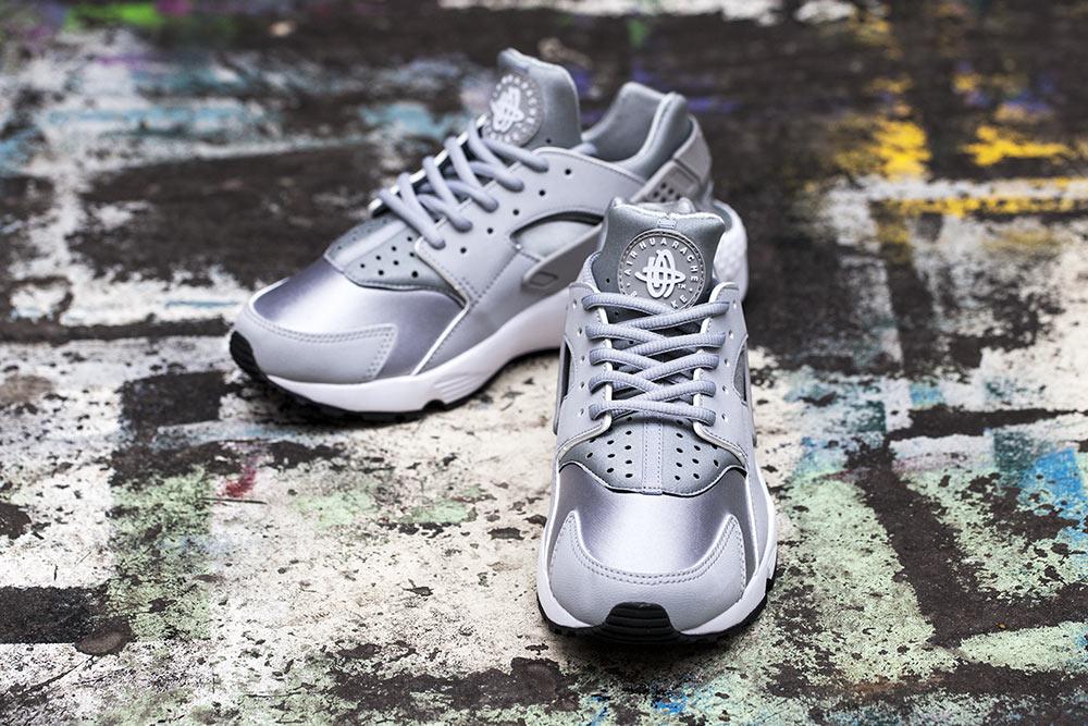Nike Air Huarache Womens Wolf Grey White