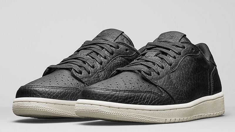 Nike Air Jordan 1 Low Swooshless Black