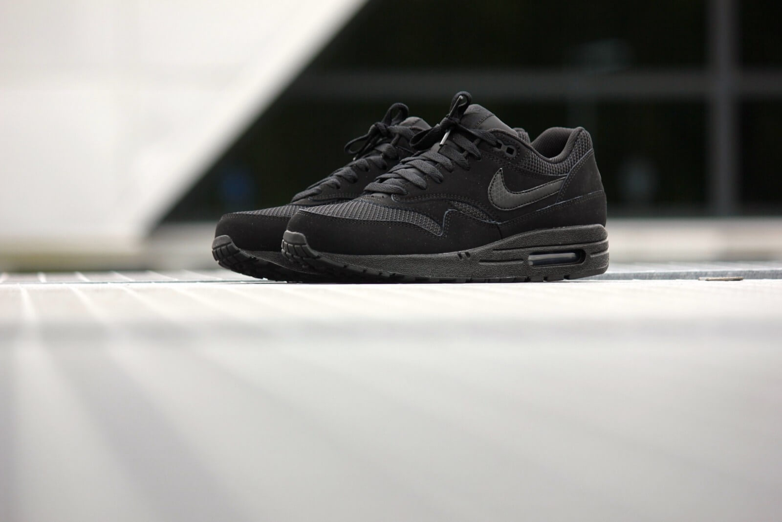 shoes, nike, nike air, air max 1 essential, black white