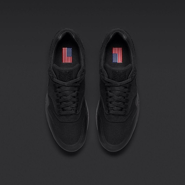 nike air max 1 sp patch black