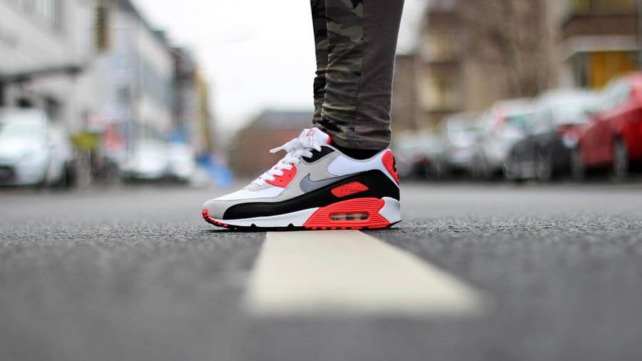 Nike Air Max 90 OG Infrared | Where To Buy | 725233-106 | The Sole ...