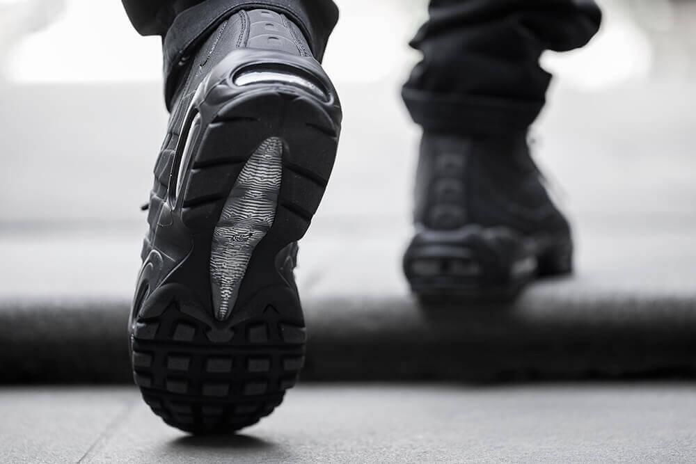buy \u003e air max 95 sneakerboot on feet