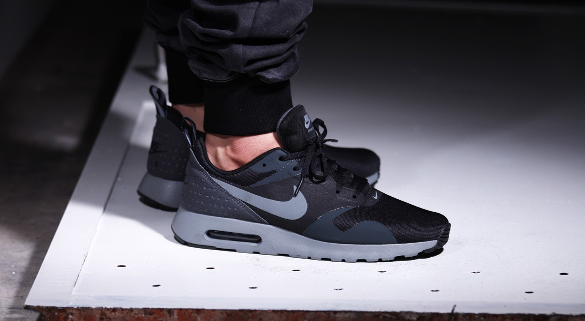 Nike Air Max Tavas Black Cool Grey