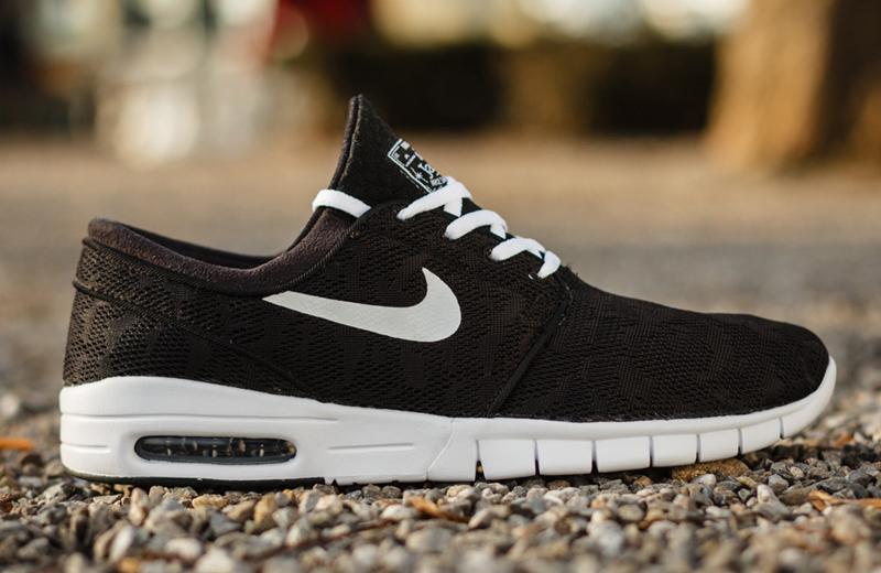 Furioso tranquilo Acostado  Nike SB Stefan Janoski Max Black Suede | Where To Buy | 685299-002 | The  Sole Supplier