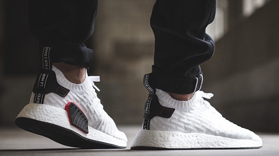 cazar Arena Detener  adidas NMD R2 White Black | Where To Buy | BY3015 | The Sole Supplier