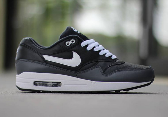 träffa klassisk stil kampanjkoder Nike Air Max 1 Leather LTR - Where To Buy - 654466-001 | The Sole ...
