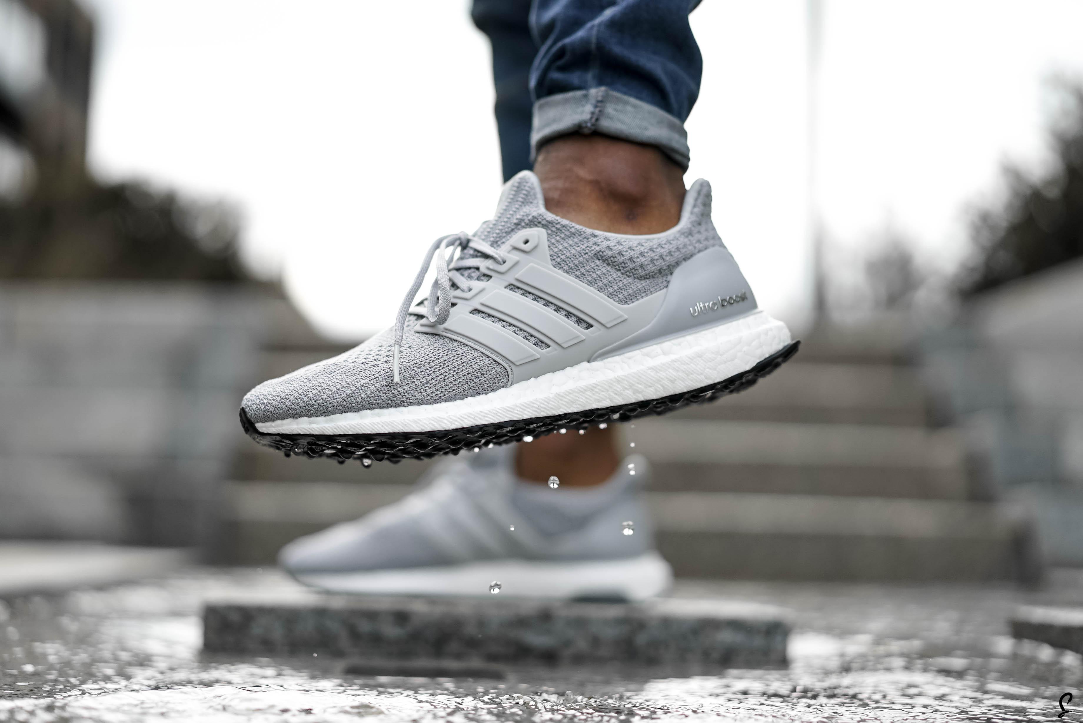ultra boost 4.0 black on feet factory