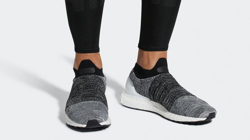 adidas Ultra Boost Laceless Black White