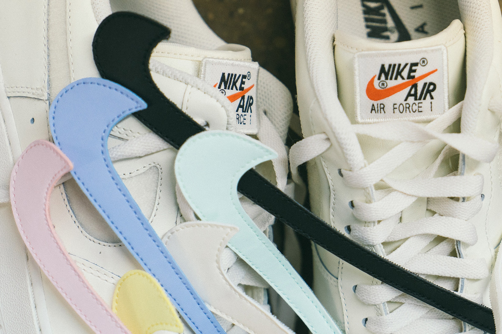 Teoría de la relatividad bolso diario  Nike's Customisable Air Force 1 Is Launching With Pretty Pastel Swooshes    The Sole Supplier