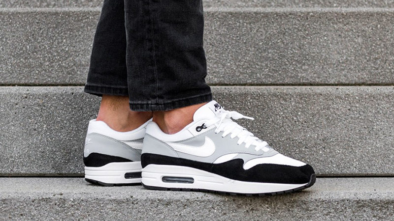 Air Max 1 Trainers Wolf GreyBlack