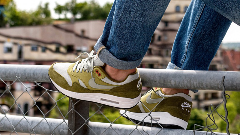 Release Reminder: Nike Air Max 1 Curry •