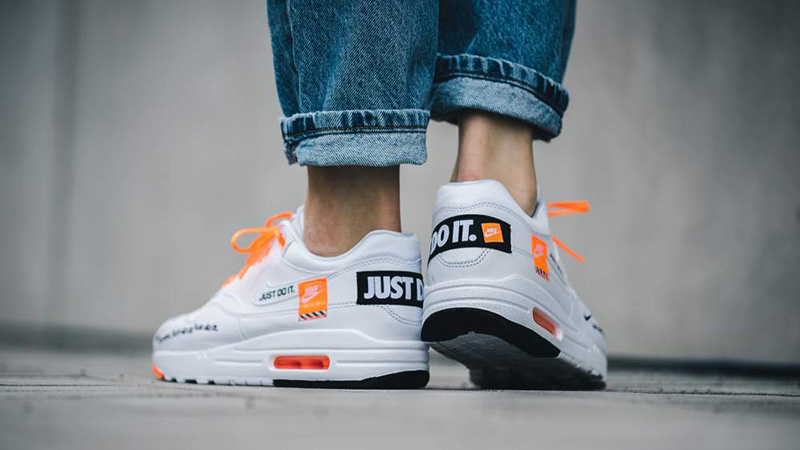 NIKE WMNS AIR MAX 1 LX JUST DO IT PACK WHITE 917,691 100 Nike women Air Max 1 white
