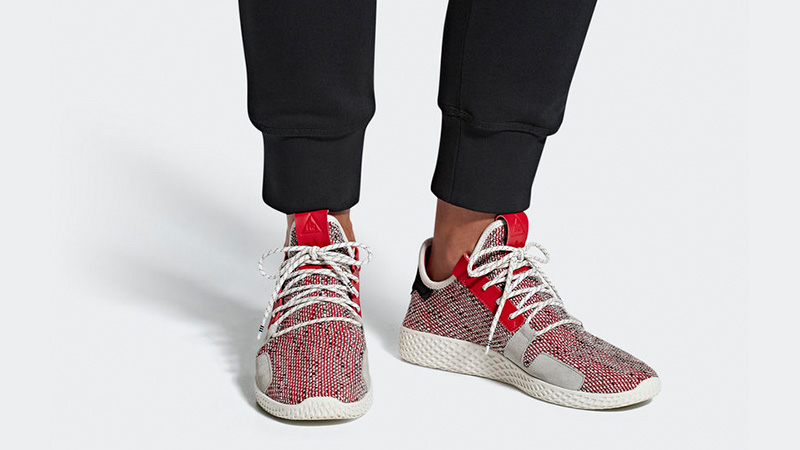 pereza Ajustamiento Martin Luther King Junior  Pharrell x adidas Afro Tennis Hu V2 Red | Where To Buy | BB9542 | The Sole  Supplier