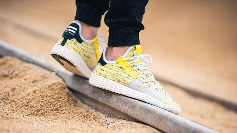 Delicioso Notable Secreto  Pharrell x adidas Afro Tennis Hu V2 Yellow | Where To Buy | BB9543 | The  Sole Supplier