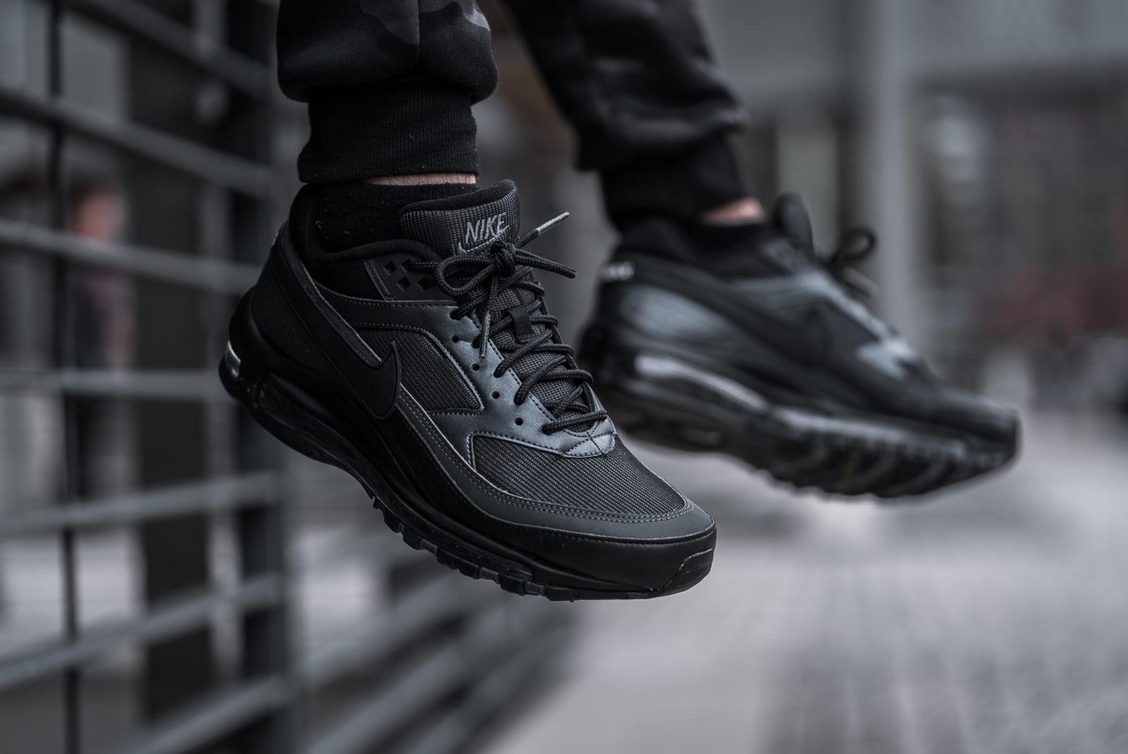 nike air max 97 triple black on feet