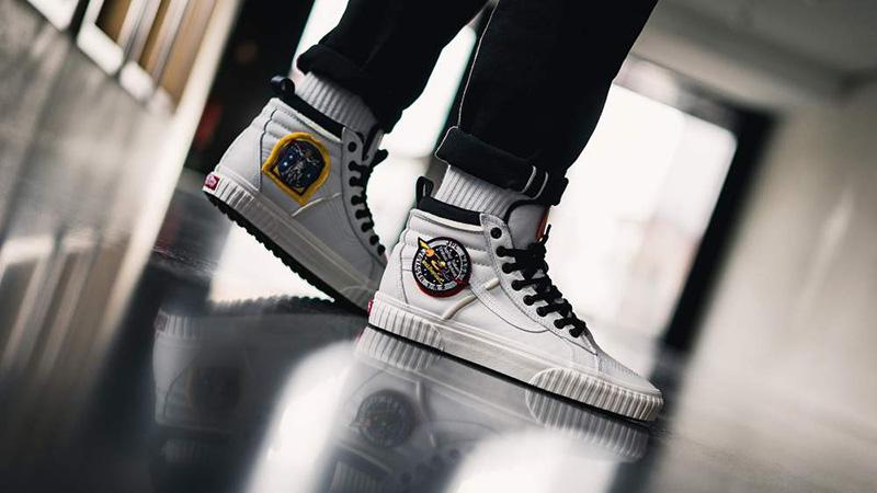 scarpe nasa vans bianche