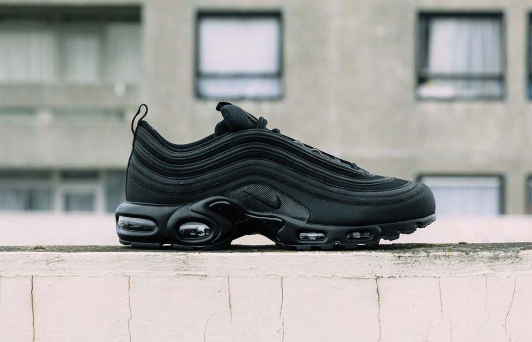 maldición Ese ideología  The Nike Air Max Plus 97 'Triple Black' Is The Ultimate Hybrid Sneaker |  The Sole Supplier
