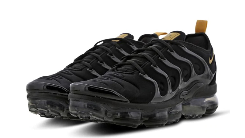 nike vapormax black footlocker