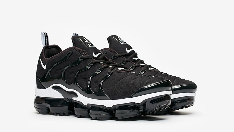 Nike Air VaporMax Plus Black White
