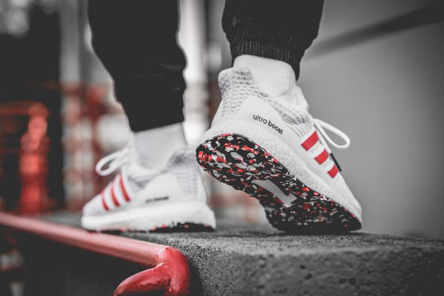 Sinewi solitario campo  adidas Ultra Boost 4.0 White Red | Where To Buy | DB3199 | The Sole Supplier