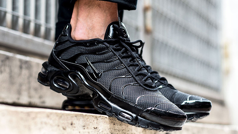 https://cms-cdn.thesolesupplier.co.uk/2018/12/Nike-TN-Air-Max-Plus-Triple-Black-604133-050-04.jpg
