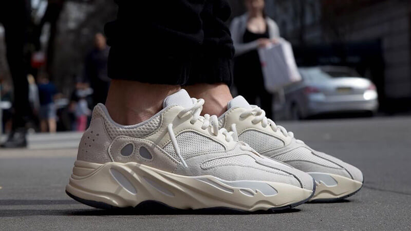https://cms-cdn.thesolesupplier.co.uk/2018/12/Yeezy-Boost-700-Analog-on-foot.jpg