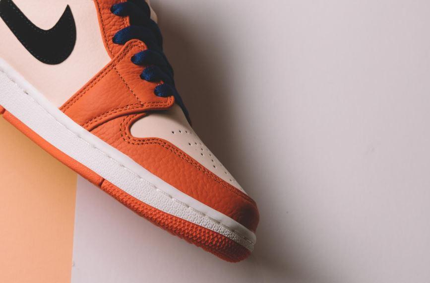 jordan 1 mid se team orange