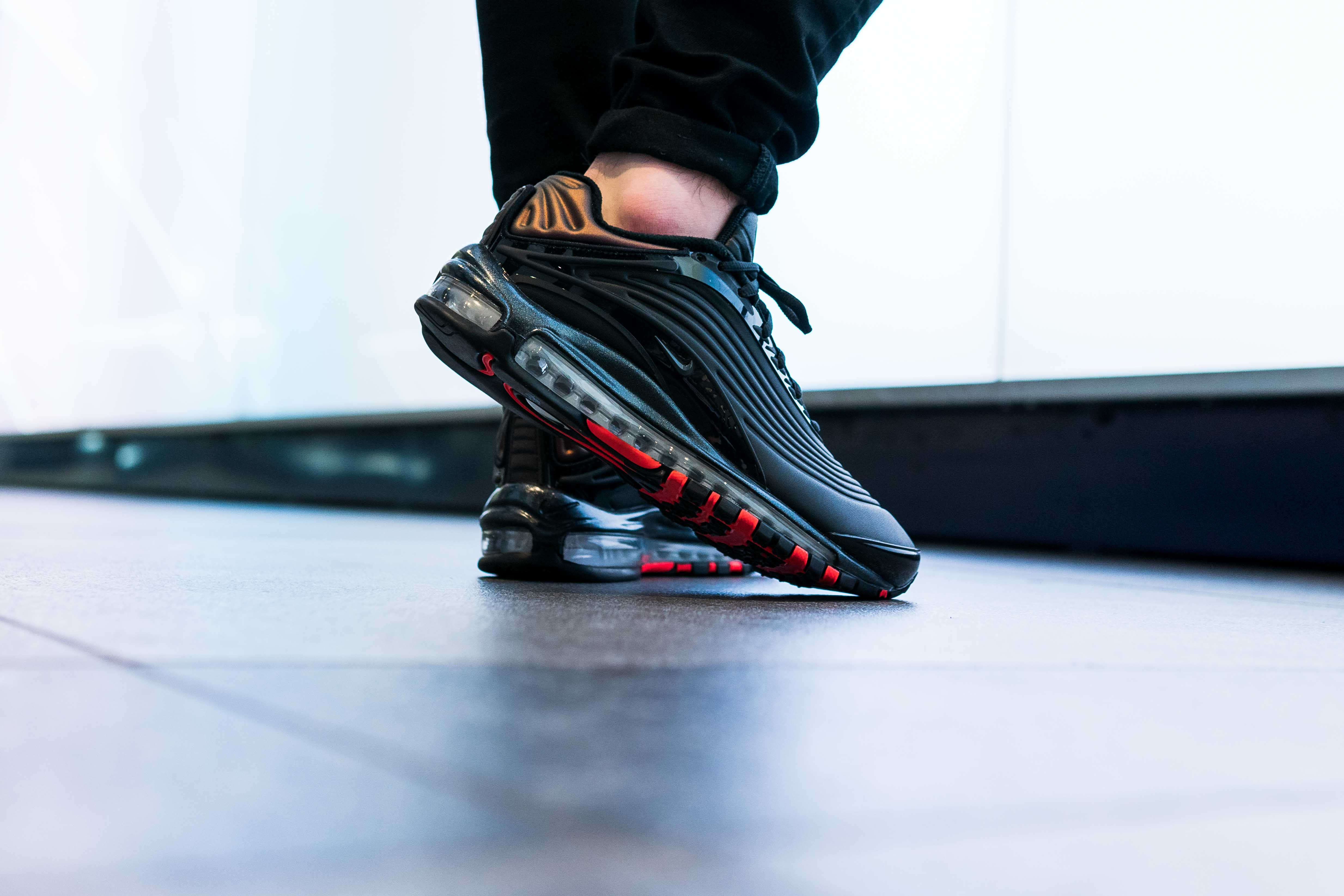 The Nike Air Max Deluxe Is As Stealthy As It Comes