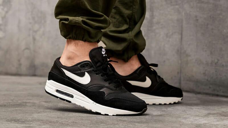 Nike Air Max 1 Black White
