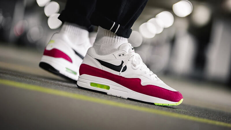 Hacia abajo Dialecto soltar  Nike Air Max 1 White Red | Where To Buy | AH8145-111 | The Sole Supplier