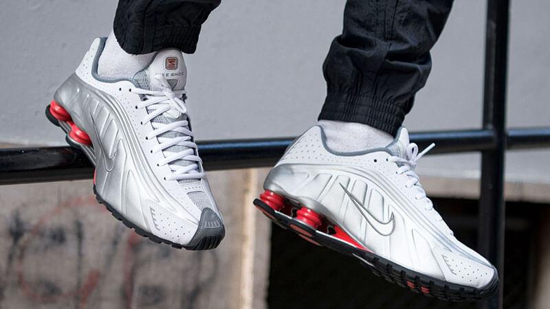 cero Peatonal Decisión  Nike Shox R4 Silver - Where To Buy - BV1111-100 | The Sole Supplier