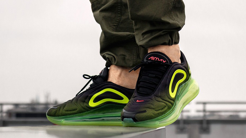 grey & lime nike air max 720 trainers