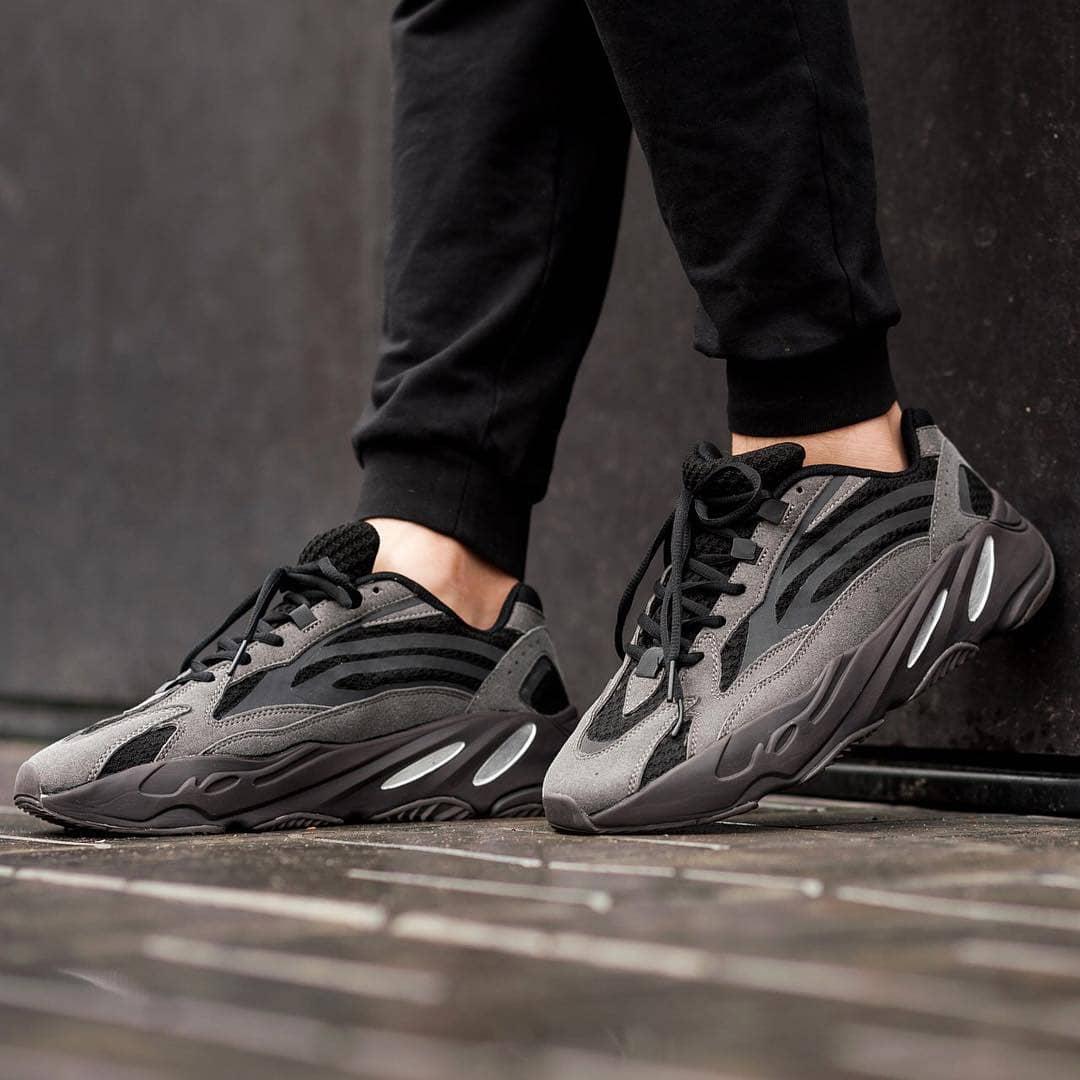 adidas yeezy boost 700 v2 vanta uk