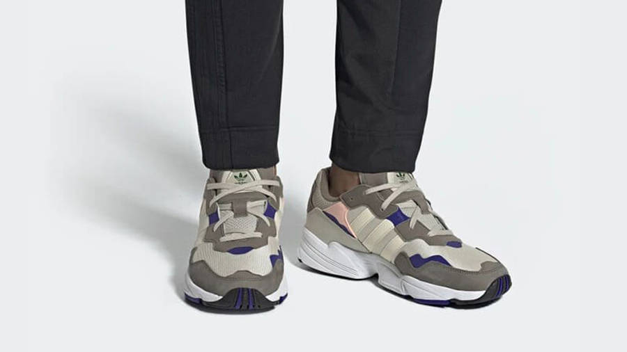 https://cms-cdn.thesolesupplier.co.uk/2019/04/adidas-Yung-96-Brown-DB2609-on-foot_w900.jpg