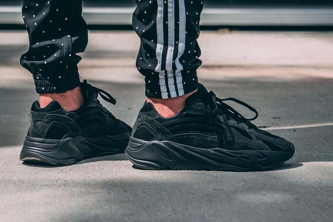 An On Foot Look At The Yeezy 700 V2 'Vanta'