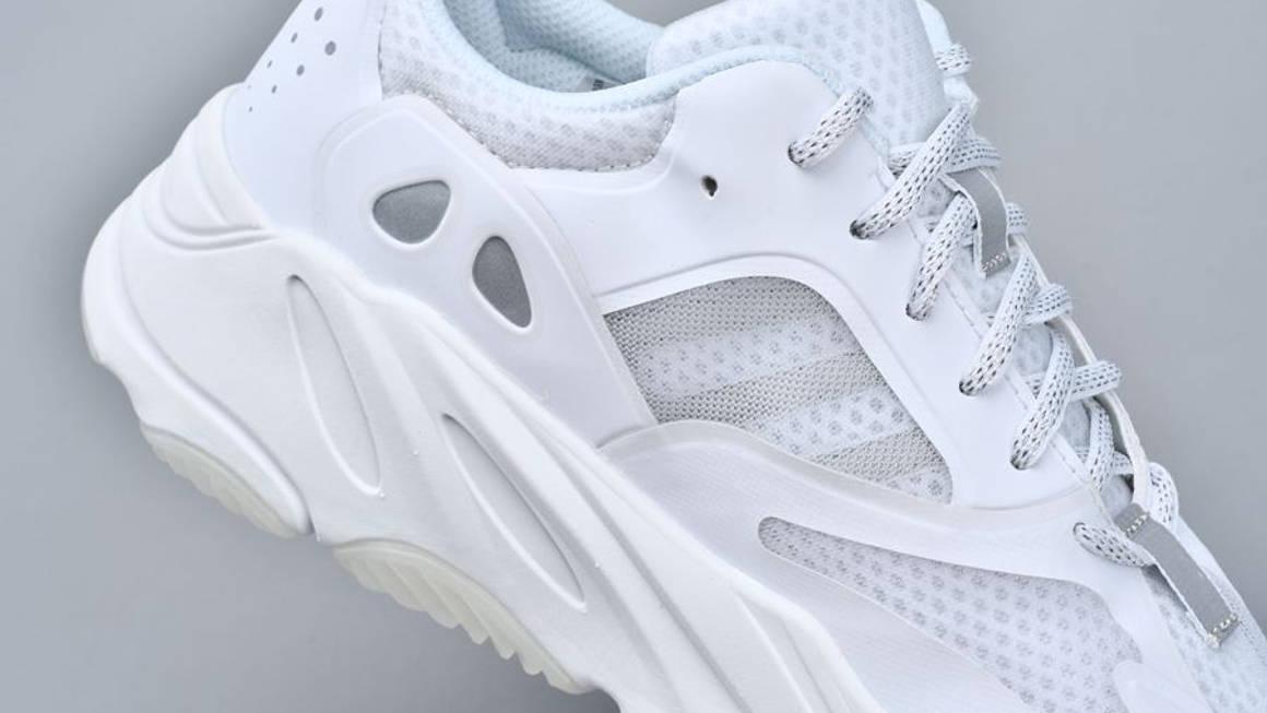 boost 700 white