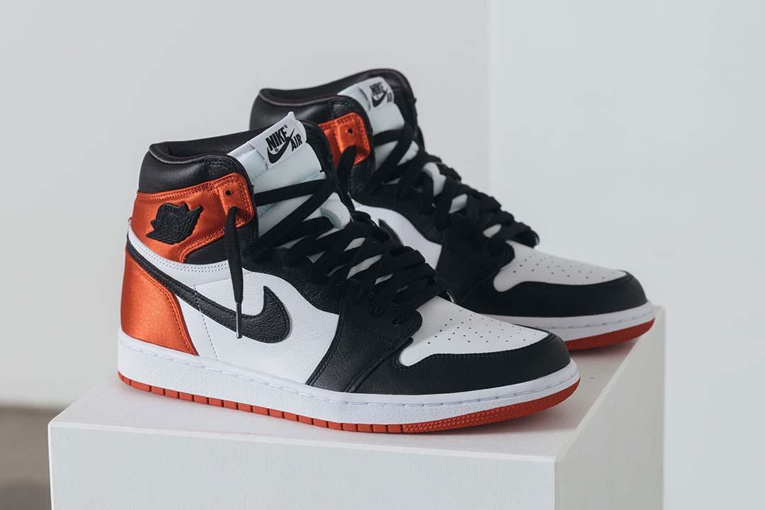 Nike Air Jordan 1 Satin Black Toe