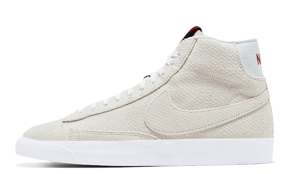 Stranger Things x Nike Blazer Mid Upside Down CJ6102-100