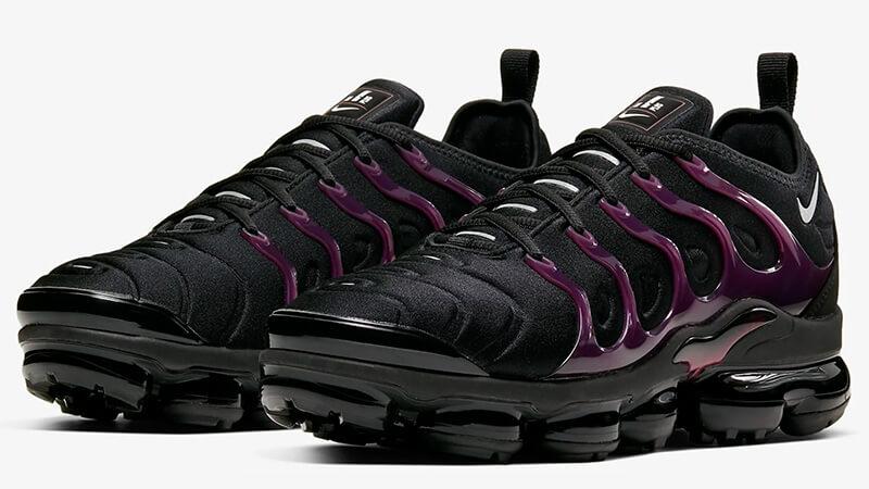 black and purple nike vapormax