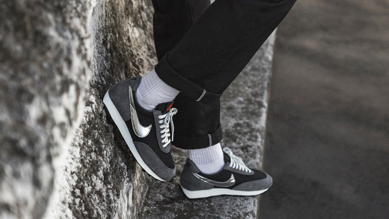 https://cms-cdn.thesolesupplier.co.uk/2019/09/Nike-Daybreak-SP-Black-Silver-BV7725-002-on-foot-side.jpg