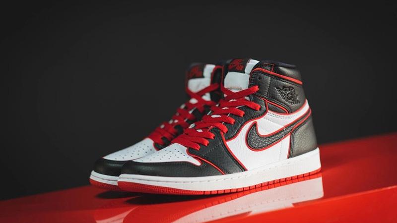 Jordan 1 Bloodline 555088-062 front