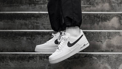 Nike Air Force 1 07 AN20 White On Foot