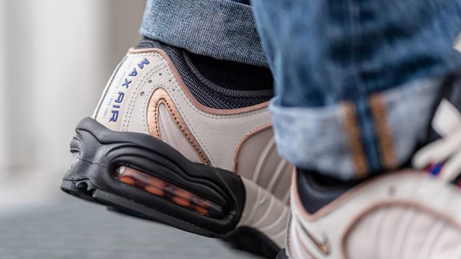 Nike Air Max Tailwind 4 Roman Numerals CJ9681-001 on foot heel