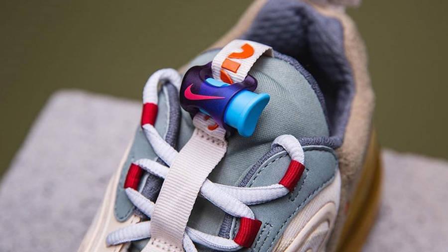 Travis Scott x Nike Air Max 270 React Cactus Jack Closeup Lace